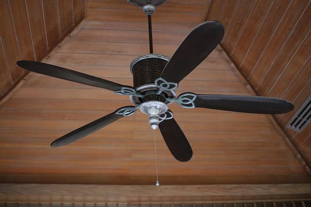ceiling fan for summer energy conservation.jpg