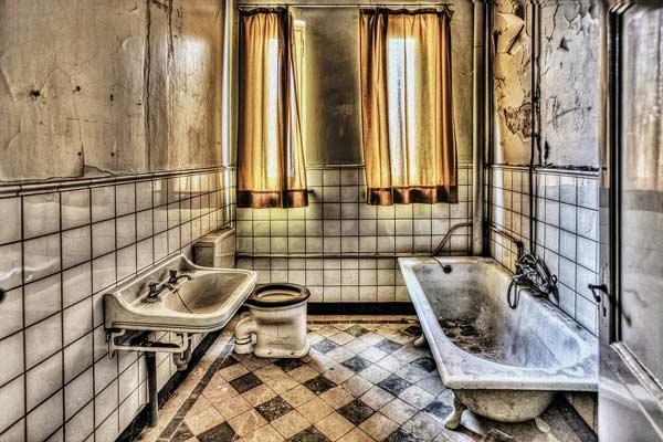 Bathroom Mold & Mildew