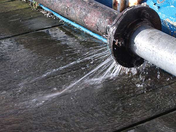 What to do if a pipe bursts