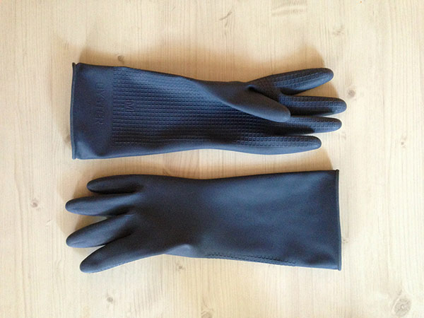 Plumbing maintenance gloves