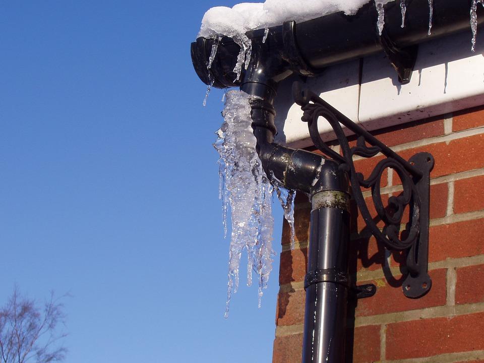 frozen-ice-189996_960_720.jpg