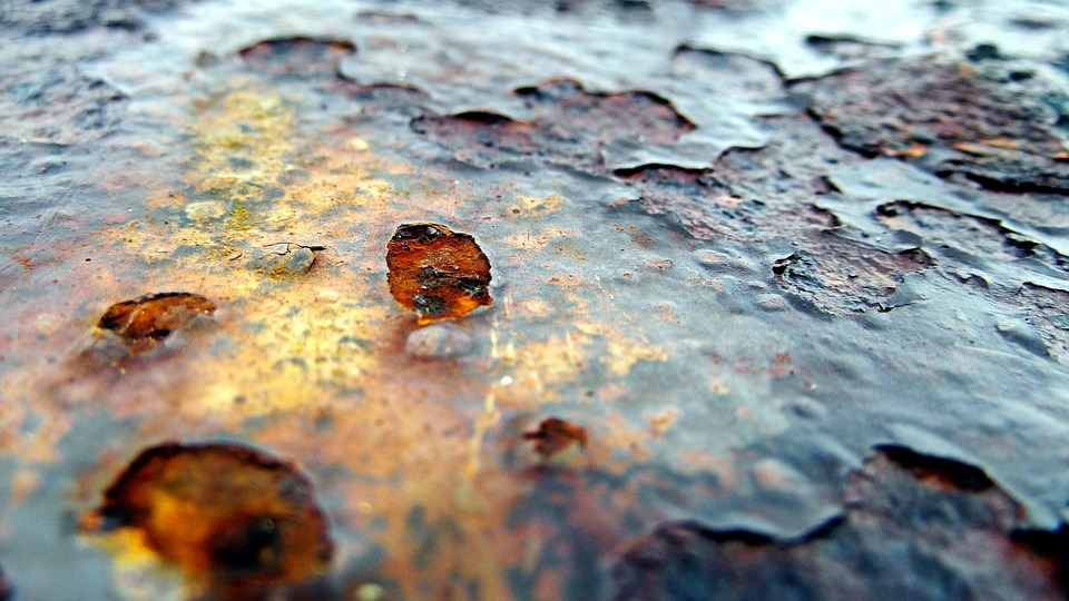 water heater rusted